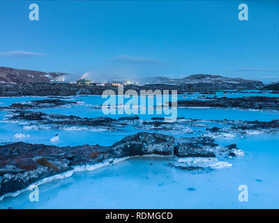 Coastline with hotel in distance - Stock Image