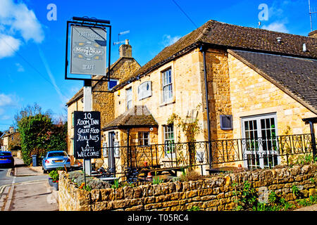 Bourton on the Water, Cotswolds, The Mousetrap Pub, Gloucestershire, England - Stock Image