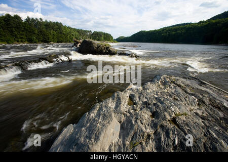 The Connecticut River at Sumner Falls (Hartland Rapids) in Hartland, Vermont. - Stock Image
