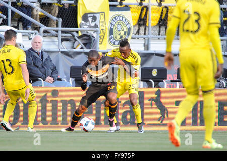 Mapfre stadium, USA. 23rd April, 2016. .Houston Dynamo midfielder Boniek Garcia (27) and Columbus Crew SC defender - Stock Image