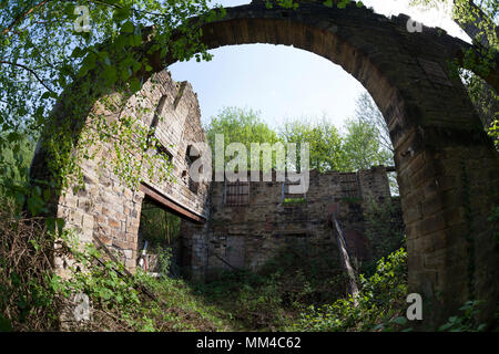 Derelict mill buildings at Linthwaite, West Yorkshire - Stock Image