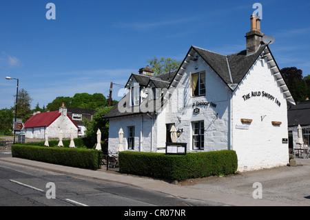 The Old Smiddy Inn, Atholl Road on the A924 as it passes through the Perthshire town of Pitlochry - Stock Image