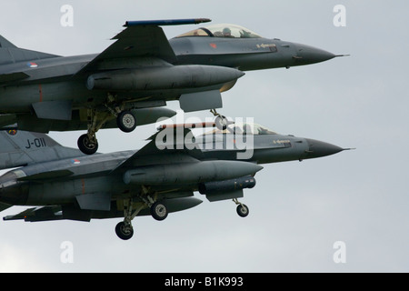 Two F-16 Viper fighters flying in close formation before landing, Airshow Maribor 2008, Slovenia June 15, 2008 - Stock Image