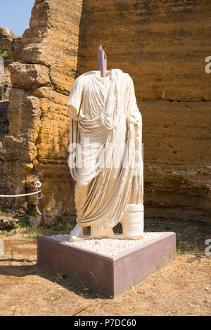Italy Sicily Agrigento Valle dei Templi Valley of the Temples start 581BC by colonists from Gela statue sculpture of middle class citizen magistrate? - Stock Image