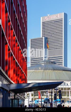 Frankfurt, Trade Fair. On the left Mövenpick Hotel, in the back Marriott Hotel. 14th Oktober 2017. - Stock Image