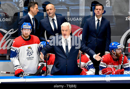 Bratislava, Slovakia. 19th May, 2019. Czech head coach Milos Riha, centre, and defender Filip Hronek, left, at the bench during the match between Austria and Czech Republic within the 2019 IIHF World Championship in Bratislava, Slovakia, on May 19, 2019. Credit: Vit Simanek/CTK Photo/Alamy Live News - Stock Image
