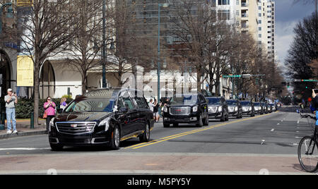 Reverend and Evangelist Billy Graham's motorcade passes through downtown Charlotte, North Carolina, bringing - Stock Image