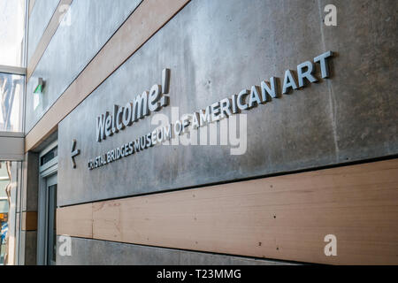 welcome sign to the crystal bridge museum in bentonville arkansas - Stock Image