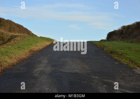 Road leading to the Warwickshire hamlet of Ascott near Whichford - Stock Image