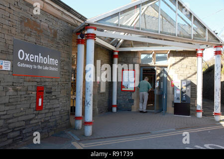 The entrance to Oxenholme station in the Lake District,  Cumbria, northern England - Stock Image