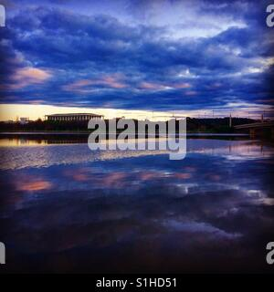 Canberra's Lake Burley Griffin and National Library at sunset - Stock Image