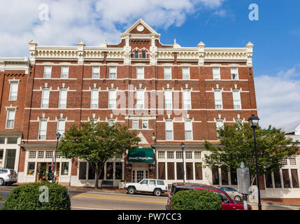 Greeneville, TN, USA-10-2-18: The massive General Morgan Inn, built in 1884, in downtown Greeneville. - Stock Image