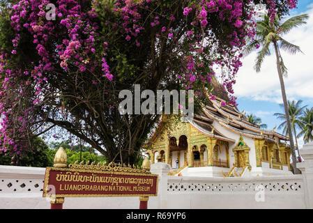 Sign outside Luangprabang National Museum and Royal Palace grounds. Luang Prabang, Louangphabang province, Laos, southeast Asia - Stock Image