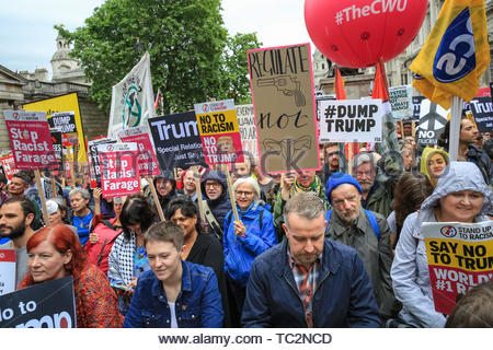 London, UK. 04th June, 2019. The protesters on Whitehall. People in central London protest against US President Donald Trump and his current visit to the United Kingdom. Credit: Imageplotter/Alamy Live News - Stock Image
