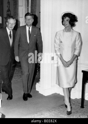US President John F Kennedy, and First Lady Jaqueline during a visit to London for the christening of thier niece - Stock Image