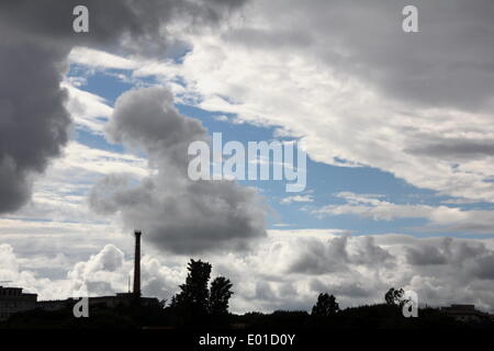 Rome, Italy. 28th April 2014. Weather -Storm clouds over Rome,  Italy. Credit:  Gari Wyn Williams / Alamy Live News - Stock Image