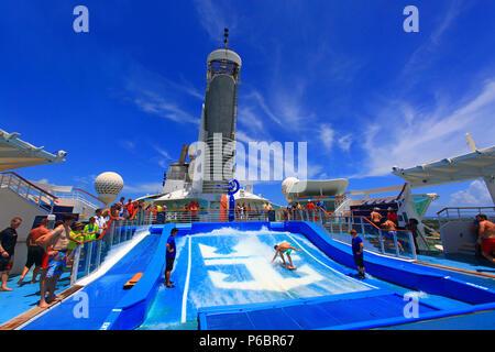 Freedom of the Seas. Royal Caribbean. Surf. Mandatory credit: Freedom of the Seas. Royal Caribbean - Stock Image