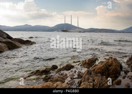 Saint Tropez. France 21th, 2018.The big 'Sailing A' in front of Saint Tropez Gulf. The  Sailing A is the most biggest sailing yacht in the world, builtd in Germany with the most advanced techonology. Lenght 142.81 meters; 12700 tons, designed by Phillippe Starck and Dolker & Voges. The owner of the ship is Andrei Melnichenko from Russia. Photo Alejandro Sala/Alamy Llive News - Stock Image