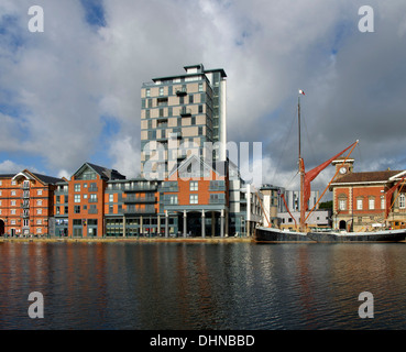 Regatta Quay and The Cambria flats in the revelopment of Ipswich Docks - Stock Image