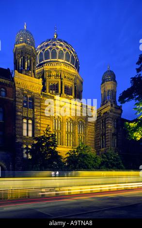 Berlin Jewish Synagogue Oranienburger street at dawn - Stock Image