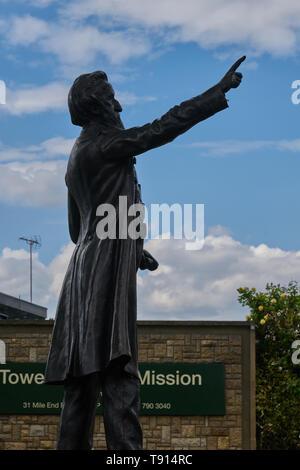 john wesley statue whitechapel - Stock Image
