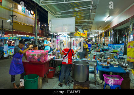 Street food stalls, Maharaj Road, Krabi town, Thailand - Stock Image