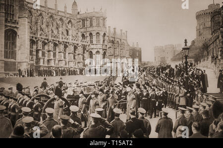 On the 28th January 1936, the remains of King George V, his coffin carried on a gun carriage, and  accompanied  by Kings and members of many European royal families, is brought to Chapel of St George  in Windsor Castle, Berkshire, England. - Stock Image