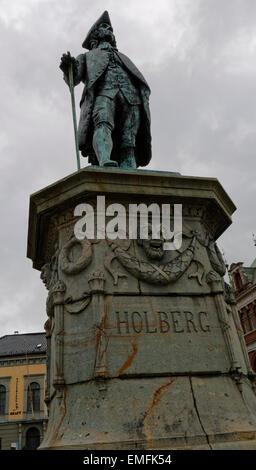 Statue for writer, essayist, philosofer, historian and playwright Ludvig Holberg, Baron of Holberg on Vågsallmenningen - Stock Image
