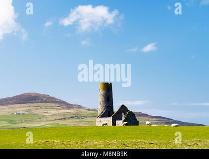 Saint St. Magnus Church, Egilsay, Orkney Islands, Scotland. 12th C Viking Norse round bell-tower tower Christian - Stock Image