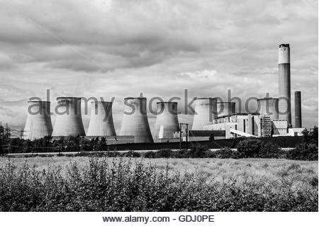 Stock Photo of Ratcliffe-On-Soar Power Station, A coal powered station operated by EON UK In Nottinghamshire (black - Stock Image