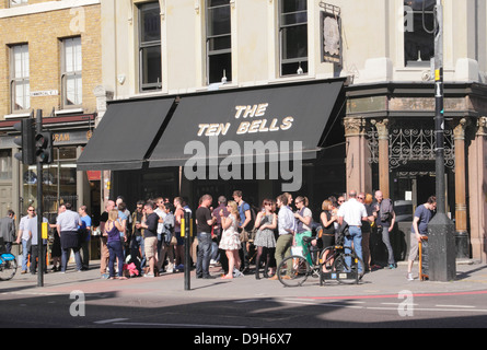 The Ten Bells pub in London's East End - Stock Image