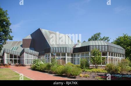 Kurpark mit Veranstaltungszentrum, Kugelbake-Halle in Cuxhaven-Döse, Nordseeheilbad Cuxhaven, Niedersachsen, Deutschland, Europa - Stock Image