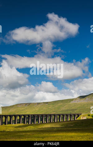 UK, Yorkshire, Batty Moss, Ribblehead Viaduct on Settle to Carlisle Railway Line - Stock Image