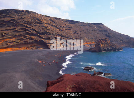 Beach. El Golfo, Lanzarote, Canary Islands, Spain. - Stock Image