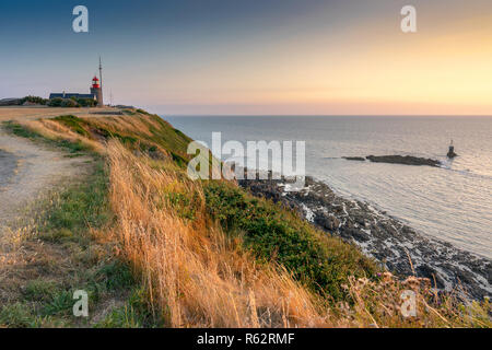 Coastline on the Atlantic ocean by the sunset. Granville, Normandy, France. - Stock Image
