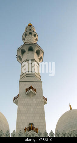 The beautiful architecture of the Minar of the Grand Mosque in Abu Dhabi - Stock Image