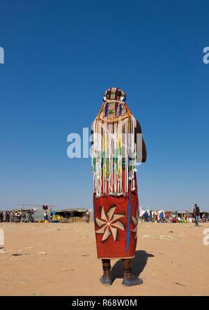 Handa tribe woman going to the Tuesday market, Huila Province, Hoque, Angola - Stock Image