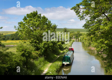 UK, England, Wiltshire, Vale of Pewsey, Horton, narrowboats moored on quiet stretch of Kennett and Avon Canal - Stock Image