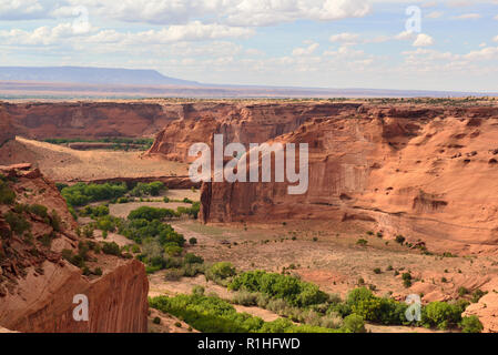 Unknown ruin on far wall, Junction Overlook,Canyon de Chelly National Monument, Chinle, Arizona, USA 180930_60013 - Stock Image
