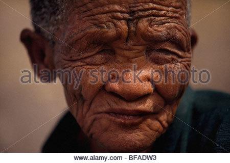 Old Ba Yei woman (River Bushman tribe), Okavango Delta, Botswana - Stock Image