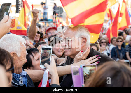 Anti independance supporters stage a motorcade in Barcelona, Spain. October 28. 2017 - Stock Image
