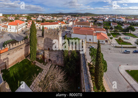 Alter do Chao, Portugal. View of the bailey of the Medieval Castelo de Alter do Chao Castle keep and village. Alto Alentejo - Stock Image