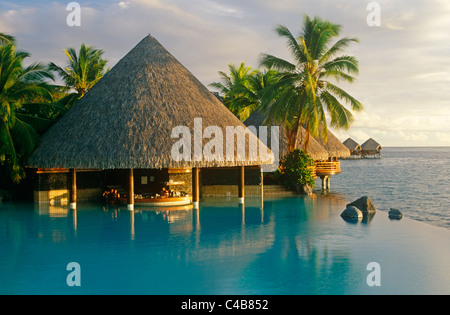 French Polynesia, Society Islands, Leeward Islands, Tahiti, Pape'ete. The pool-bar of the Intercontinental Hotel - Stock Image