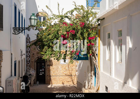 The Exterior Of Portas Da Villa Bar Building Covered In Seashells Albufeira Old Town Portugal - Stock Image
