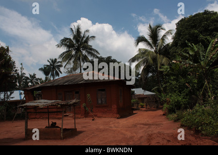 House built with mud at Abatete, a village that is a few kilometres from Onitsha, Anambra State, Nigeria. - Stock Image