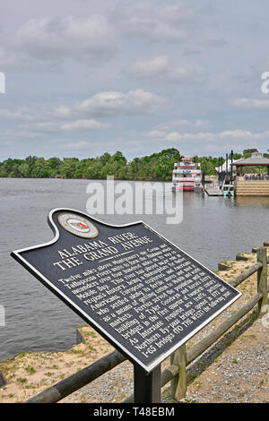 Historical marker on the Alabama River explaining the history of the river in Montgomery Alabama, USA. - Stock Image