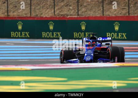Marseille, France. 21st Jun 2019. FIA Formula 1 Grand Prix of France, practice sessions; Scuderia Toro Rosso, Daniil Kvyat spins during practice 1 Credit: Action Plus Sports Images/Alamy Live News - Stock Image