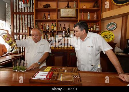 La Bodeguita del Medio, Havanna Viejo, Hemingways Bar in Havanna, Cuba, - Stock Image