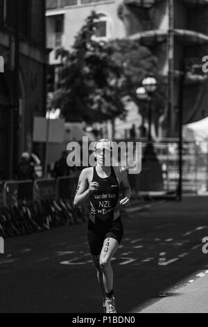 Cook leading the way at the AJ Bell Leeds Triathlon - Stock Image