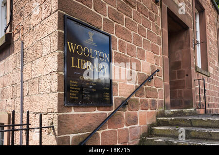 Opening times and entrance steps to Woolton library, Allerton Road, Liverpool (now closed).  Opening times have been roughly obscured with black tape. - Stock Image